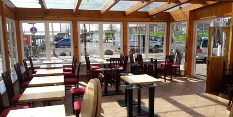 """zum Restaurant """"Krabbe am Hafen"""""""